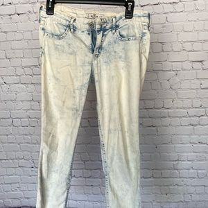 Acid wash style Hollister cropped jeans